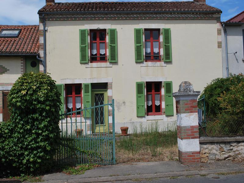 Maison à vendre à LATHUS ST REMY(86390) - Vienne
