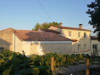 French property for sale in BLAYE, Gironde - €250,000 - photo 3