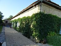 French property for sale in BARBEZIEUX ST HILAIRE, Charente - €299,000 - photo 2