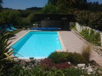 French property for sale in BARBEZIEUX ST HILAIRE, Charente - €299,000 - photo 3