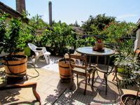 Élégante maison de ville en pierre 3 CH avec joli jardin et fabuleux jardin sur le toit située dans le village pittoresque de Fongrave, à proximité du fleuve Lot et des restaurants!