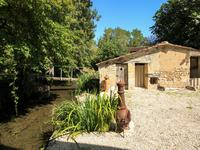 French property for sale in NUAILLE SUR BOUTONNE, Charente Maritime - €277,130 - photo 9