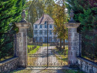 chateauin LABATUT