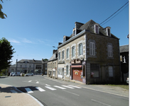 French property for sale in FOUGEROLLES DU PLESSIS, Mayenne - €88,000 - photo 2