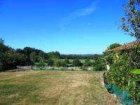 French property for sale in MONTMOREAU ST CYBARD, Charente - €299,000 - photo 4
