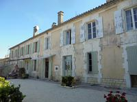French property for sale in MONTMOREAU ST CYBARD, Charente - €299,000 - photo 2