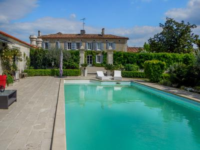Exquisite Logis of the 18th C. 4 Bedrooms, 4 Bathrooms. Renovated with respect for Original Features. Swimming Pool.
