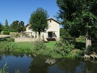 houses and homes for sale inMELLEDeux_Sevres Poitou_Charentes