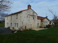French property for sale in LA CHAPELLE THEMER, Vendee - €178,200 - photo 9