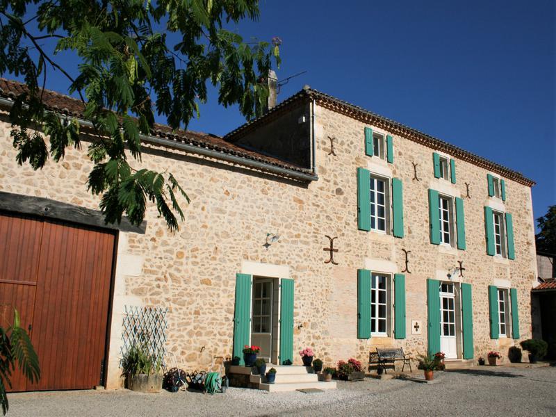 Maison à vendre à MONTBRON(16220) - Charente