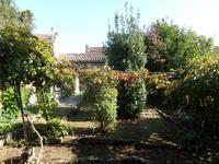 French property for sale in Pons, Charente Maritime - €153,500 - photo 2
