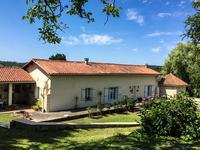French property for sale in ST MARTIAL, Charente - €346,500 - photo 1