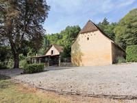 French property for sale in ST LEON SUR VEZERE, Dordogne - €344,000 - photo 2