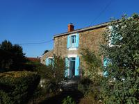 French property for sale in LA CHAPELLE THEMER, Vendee - €210,600 - photo 2