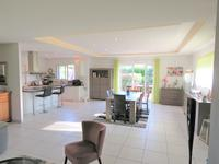 French property for sale in PEAULE, Morbihan - €299,000 - photo 4