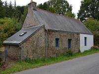 French property for sale in SEGLIEN, Morbihan - €84,700 - photo 2