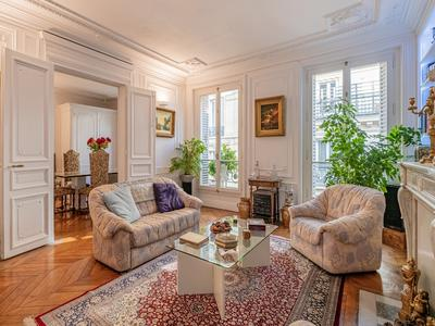 apartmentin PARIS VIII