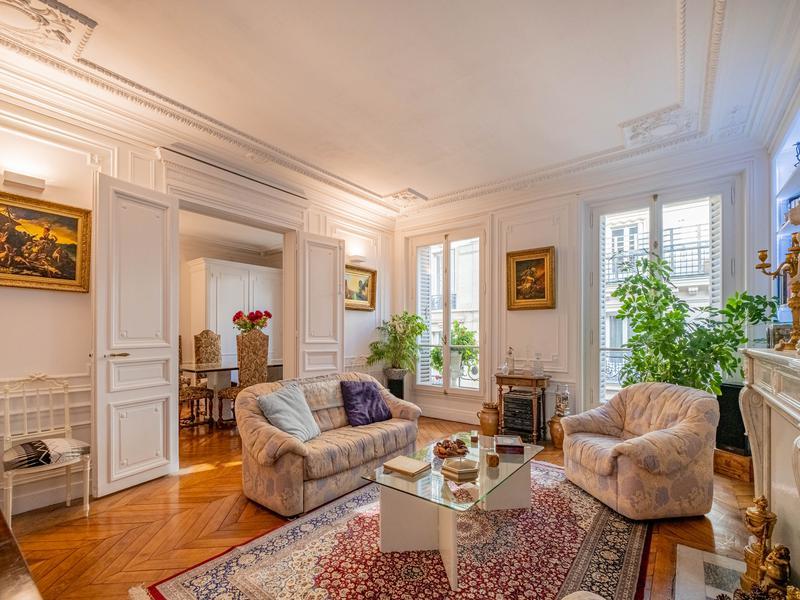 Appartement 3 pièces à vendre à PARIS VIII (75008) -  Paris