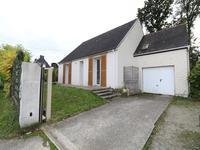 COLPO - Deux pas du centre bourg - 15 minutes de VANNES - Maison de plain-pied entièrement rénovée - 3 chambres - Grand espace ouvert séjour cuisine.