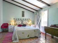 French property for sale in CARPENTRAS, Vaucluse - €410,000 - photo 6