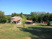 French property for sale in MONTMOREAU ST CYBARD, Charente - €265,000 - photo 2