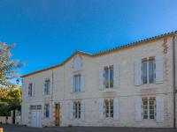 French property for sale in MONTCUQ, Lot - €342,380 - photo 2