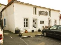 French property for sale in ST MAURICE DES NOUES, Vendee - €119,900 - photo 9
