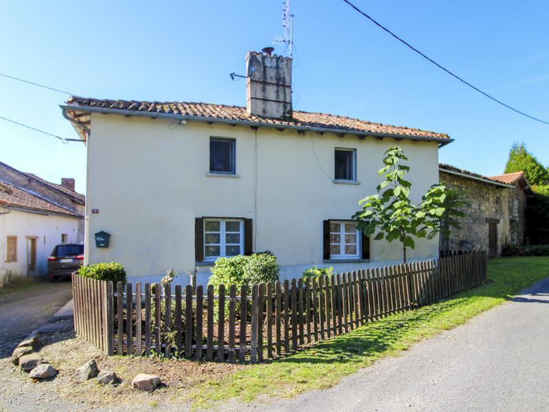 Maison à vendre à MANOT(16500) - Charente