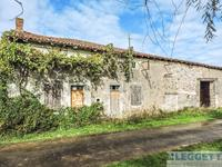 French property for sale in SAVIGNE, Vienne - €224,700 - photo 5