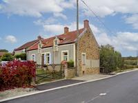 French property, houses and homes for sale inST SATURNINCher Centre
