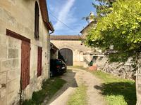 French property for sale in PUISSEGUIN, Gironde - €455,800 - photo 9