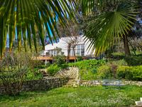 French property, houses and homes for sale inFRONSACGironde Aquitaine