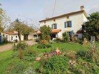 houses and homes for sale inFONTENILLECharente Poitou_Charentes