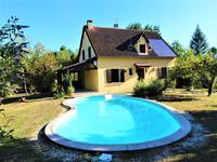 Maison de 6 chambres avec piscine à St Astier