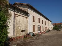 houses and homes for sale inCHAUNAYVienne Poitou_Charentes