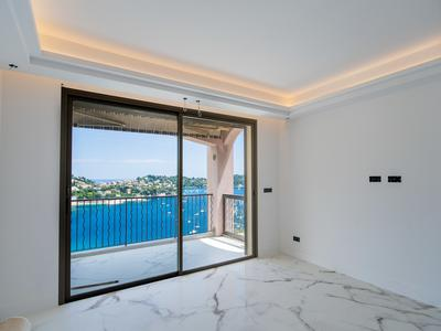 VILLEFRANCHE SUR MER - Beautiful 2 bedrooms entirely renovated with breathtaking seaview