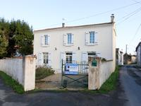 French property for sale in Les Eglises d Argenteuil, Charente Maritime - €114,450 - photo 9