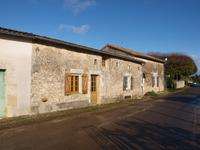 French property for sale in CHAMPAGNE LE SEC, Vienne - €65,000 - photo 2