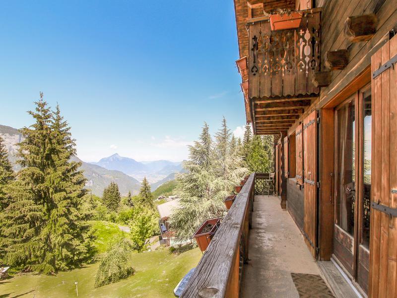 Chalet à vendre à LES CARROZ D ARACHES(74300) - Haute Savoie