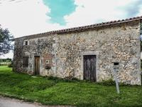 French property for sale in TAIZE AIZIE, Charente - €39,100 - photo 2