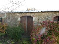 French property for sale in ST MARTIN LARS EN STE HERMINE, Vendee - €189,000 - photo 7