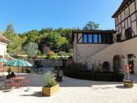 Chateau à vendre à VILLENEUVE SUR LOT en Lot et Garonne - photo 7