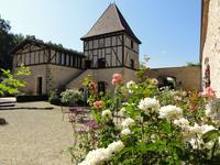 Chateau à vendre à VILLENEUVE SUR LOT en Lot et Garonne - photo 2