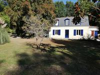 French property for sale in SALLEBOEUF, Gironde - €613,740 - photo 3