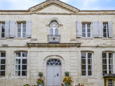 chateauin CASTILLONNES