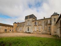 chateau for sale in AMBARES ET LAGRAVEGironde Aquitaine