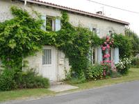 French property for sale in MERIGNAC, Charente Maritime - €392,200 - photo 10