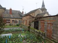 French property, houses and homes for sale inFROMENTIERESMayenne Pays_de_la_Loire