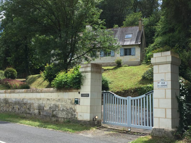 Maison à vendre à CHENEHUTTE TREVES CUNAULT(49350) - Maine et Loire