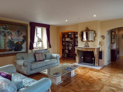 Stunning 5 bedroom family home with large walled gardens, stone outbuildings and home cinema close to Montreuil sur Mer offering potential for a high quality Chambres d'Hotes business in this major tourist area.